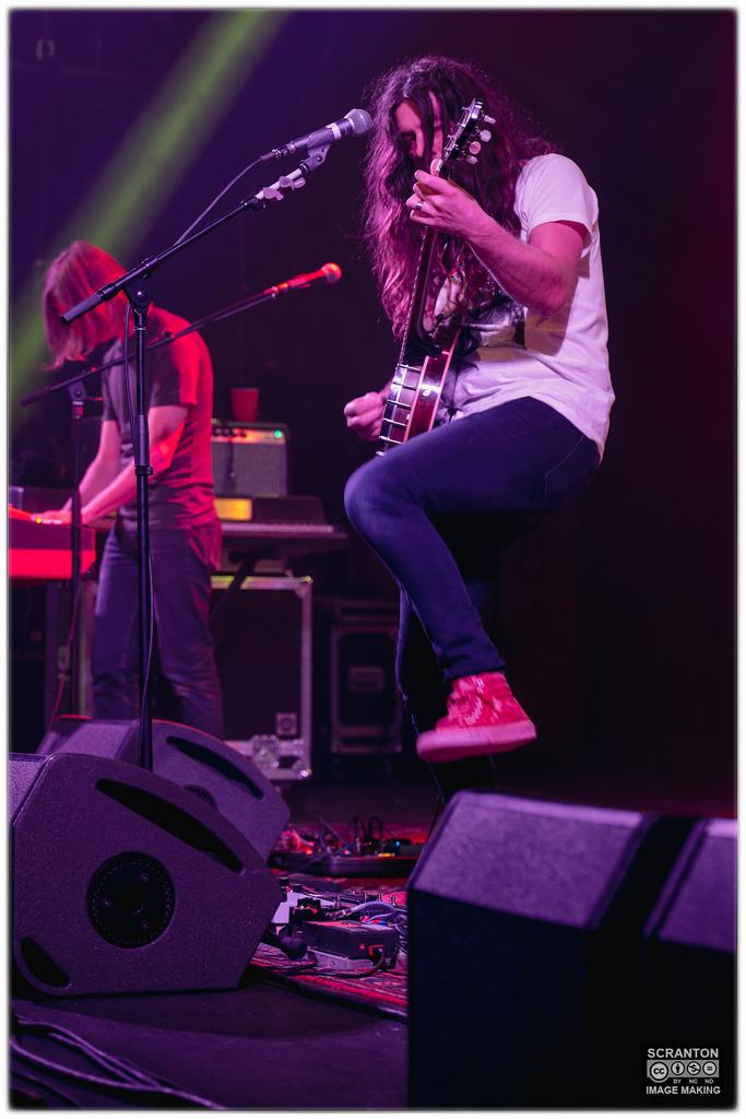 Kurt Vile @ College St Music Hall - New Haven,_24752445369_l