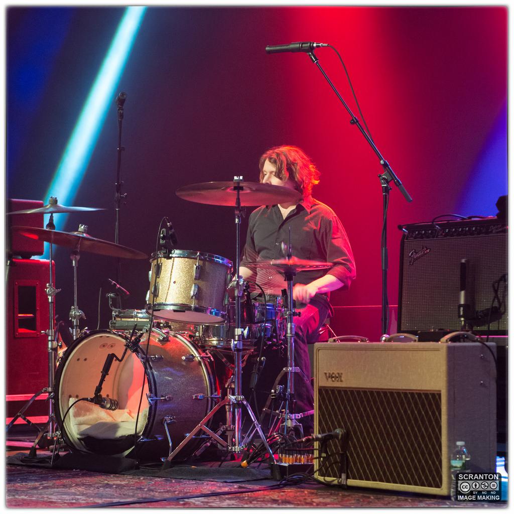 Kurt Vile @ College St Music Hall - New Haven,_25026436091_l