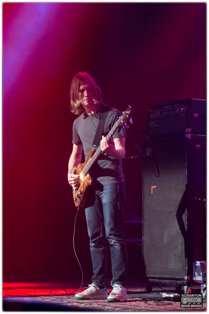 Kurt Vile @ College St Music Hall - New Haven,_25026457241_l