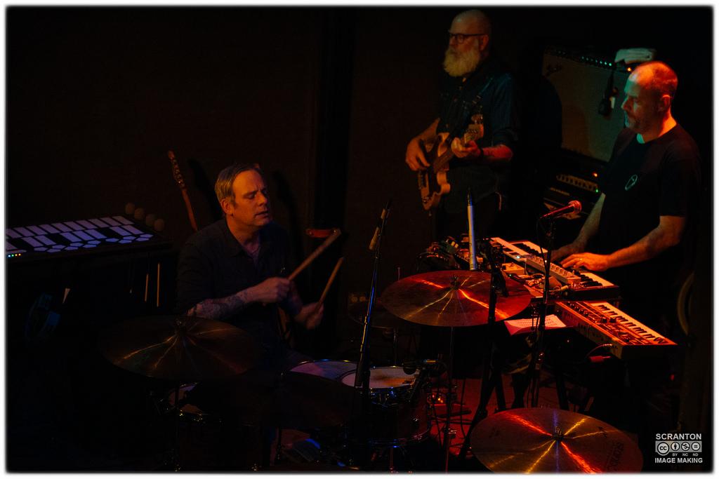 Tortoise @ Iron Horse Music Hall - Northampton, MA 31416_25682085262_l