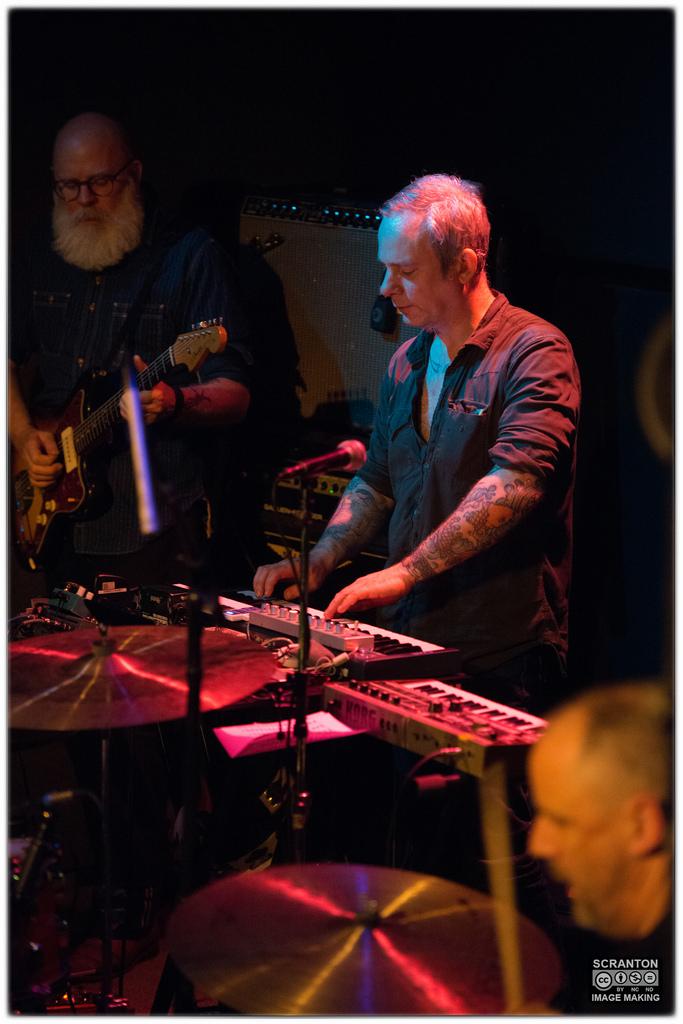 Tortoise @ Iron Horse Music Hall - Northampton, MA 31416_25803130645_l